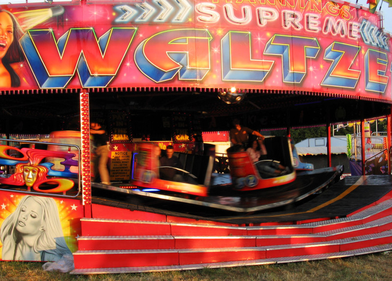 Mannings_Supreme_Waltzer,_spinning_02
