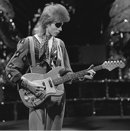 David_Bowie_-_TopPop_1974_08